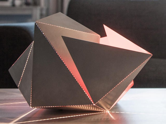 3052128-inline-s-8-the-folding-lamp-makes-origami-out-of-light copy