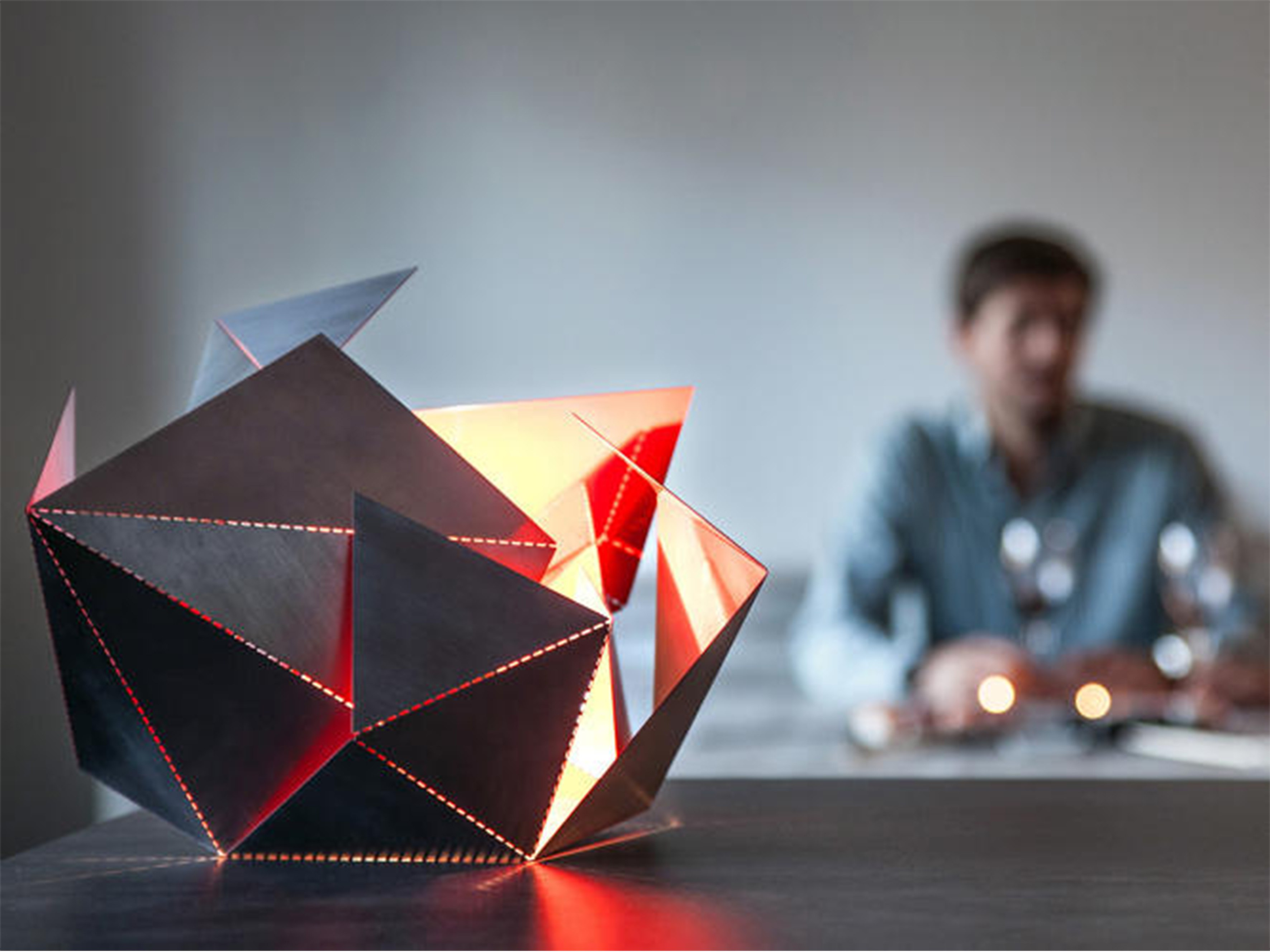3052128-slide-s-3-the-folding-lamp-makes-origami-out-of-light copy